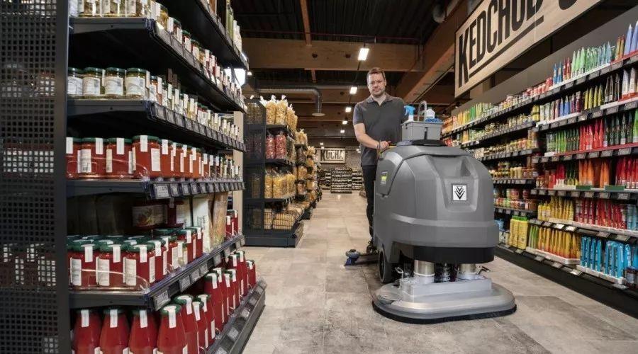 洗地吸干机给超市地面消毒杀菌