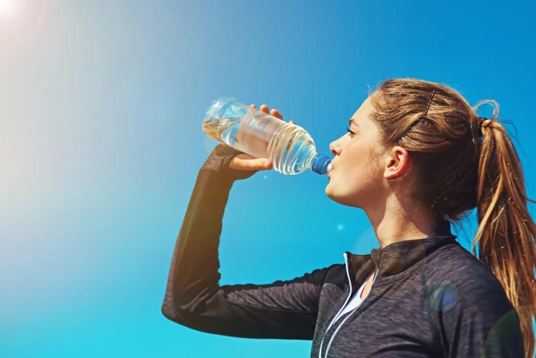 办公室养生之道有哪些?卡赫热净饮一体机带你从体验健康饮水开始