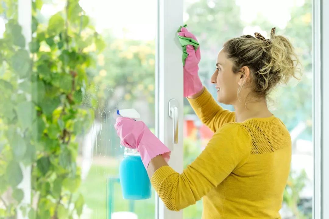 如何拥有窗明几净的小窝?卡赫WV镜面清洗机来帮你