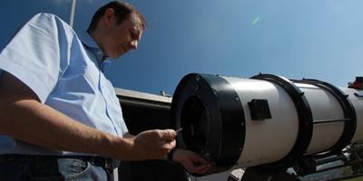 斯图加特天文台望远镜清洗工程