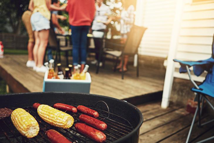 夏季家庭烧烤前后清洁技巧