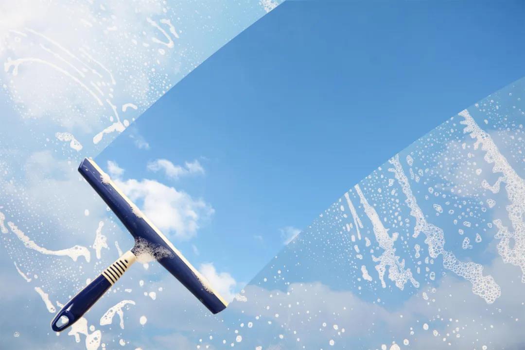 清洁交给擦窗机,冬天解放你的双手